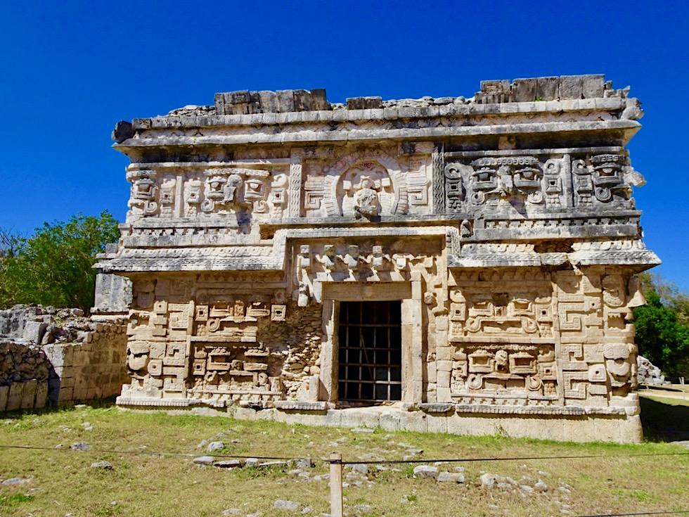 Chichen Itza - La Monjas: Reich verzierte Gebäude - Yucatan - Mexiko