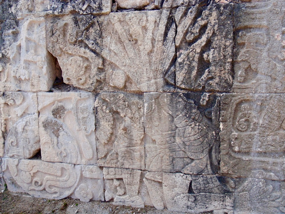 Chichen Itza - Wandrelief mit Krieger - Yucatan - Mexiko