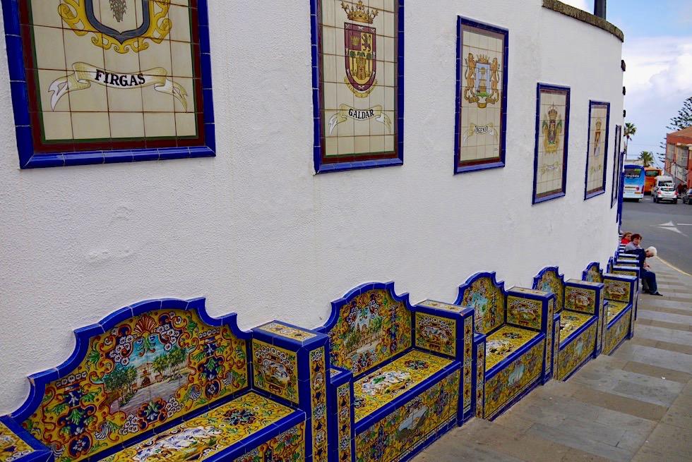 Firgas - Paseo de Gran Canaria: 21 Liebevoll verzierte Kachel-Bänke für jeden Bezirk - Gran Canaria