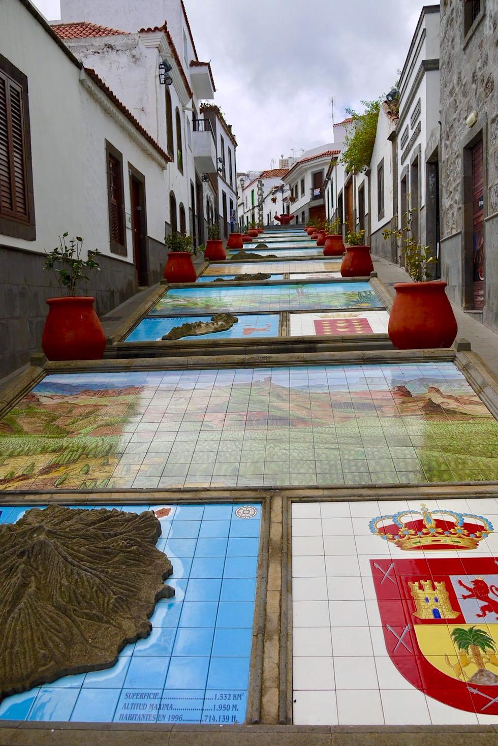 Firgas - Paseo de Canaris: Prachtpromenade mit bunten Kacheln zu allen 7 Kanarischen Inseln - Gran Canaria