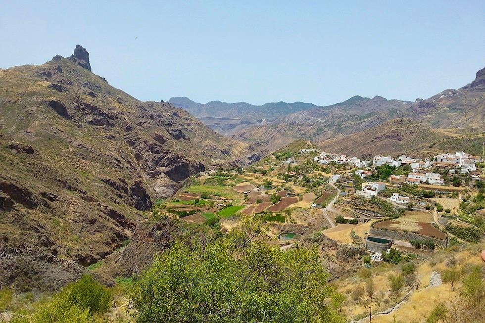 Tejeda mit Blick auf Roque Bentayga im Zentrum und Herzen von Gran Canaria