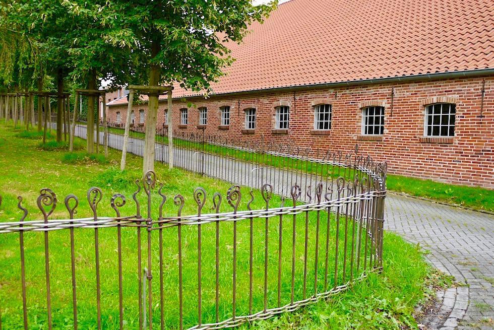 Upleward-Krummhörn - Schmiedekunst als Zaun Zauber - Ostfriesland