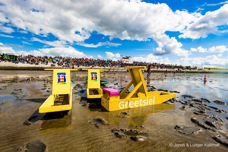 Upleward Schlickschlittenrennen: jährlicher Watt-Spaß im August - Krummhörn - Ostfriesland