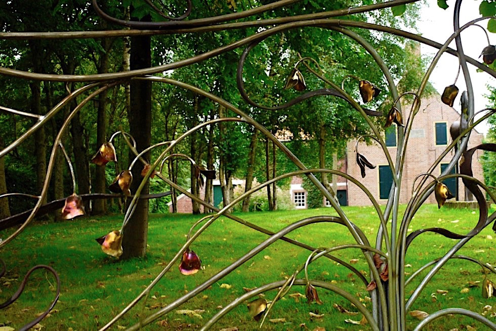 Upleward-Krummhörn - Mit faszinierende Schmiedekunst schafft Guiseppe Lund die schönsten Zäune - Ostfriesland