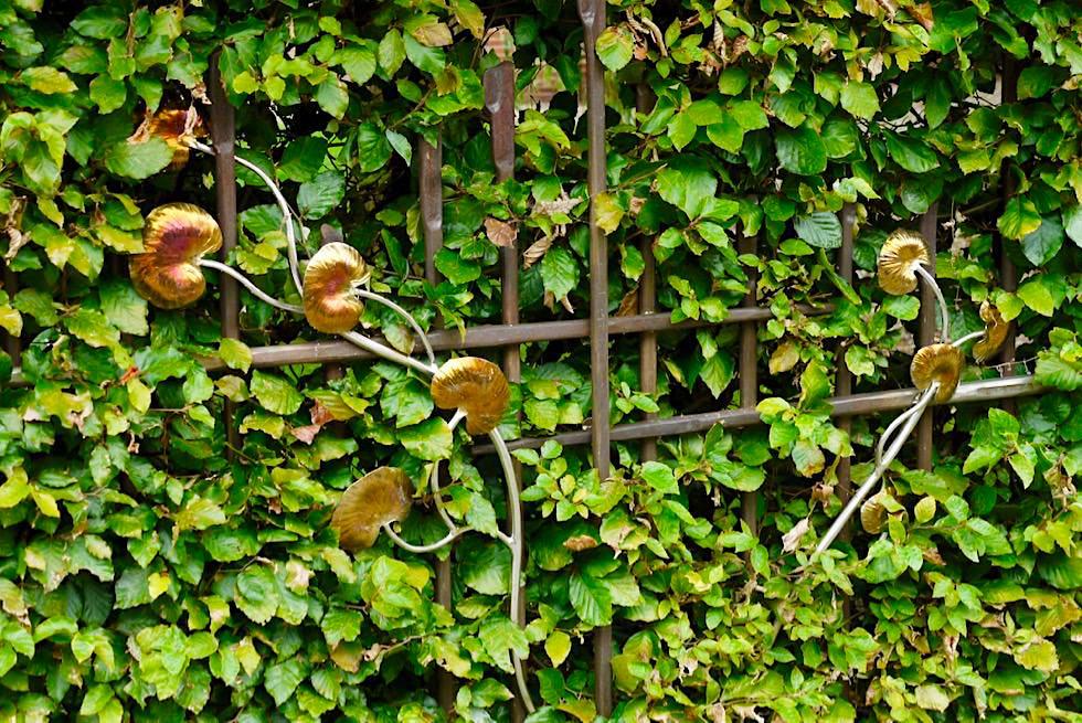 Upleward-Krummhörn - Schmuckvolle Gartenzäune geschaffen von dem kanadischen Künstleer Guiseppe Lund - Ostfriesland