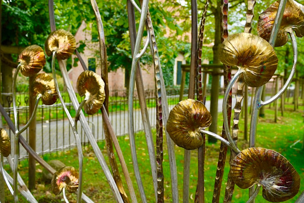 Upleward-Krummhörn: Schönste Zäune werten das Warfendorf künstlerisch auf - Ostfriesland
