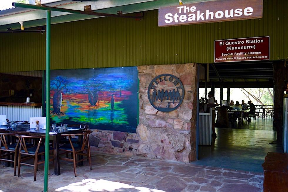 El Questro Station - das Restaurant bietet lecker Köstlichkeiten auf der schattigen Terrasse - Kimberley - Western Australia