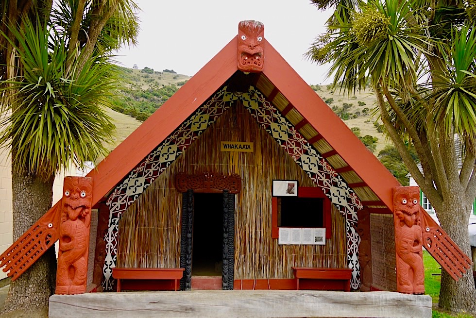Geheimtipp Maori Museum: Whakaata, das Haus der Begegnung - Okains Bay auf der Banks Peninsula - Südinsel Neuseeland