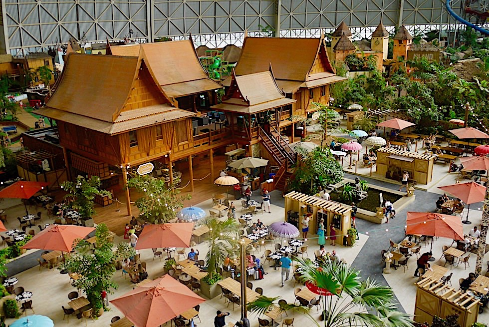 Tropical Islands - Restaurant-Meile in der Halle - Brandenburg