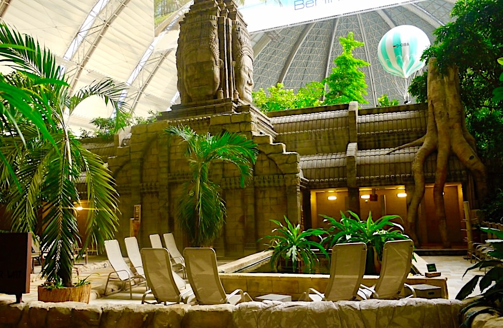 Tropical Islands - Sauna integriert in eine liebevoll gestaltete Ankor Watt Fassade - Brandenburg