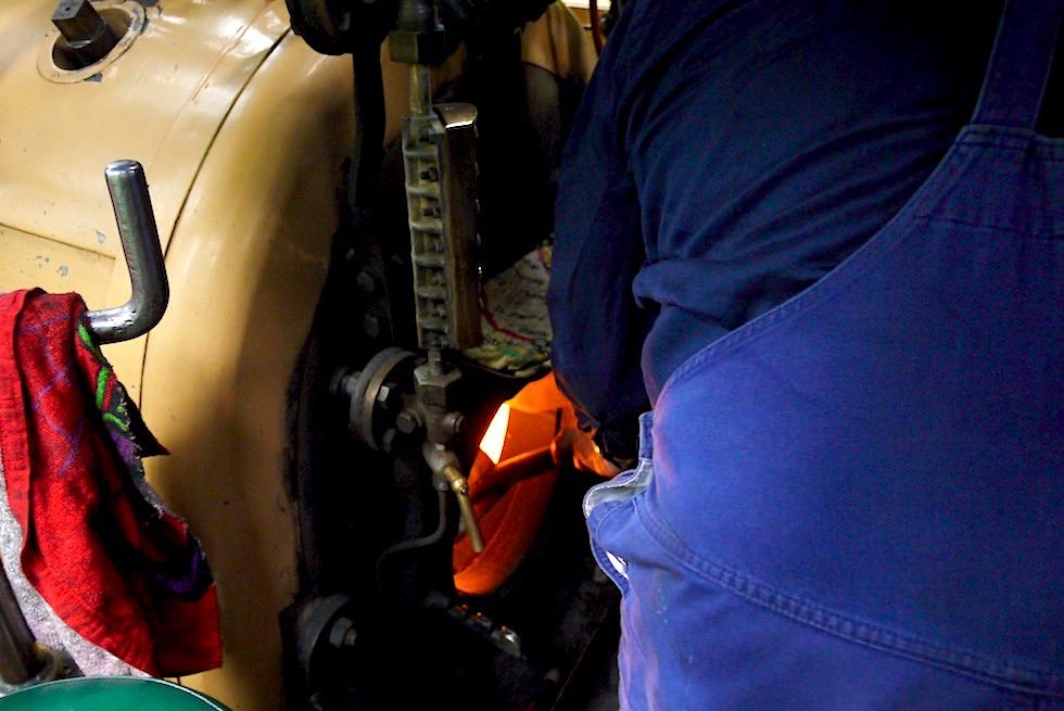 Puffing Billy Museumsbahn - 1 Tonne Kohle wird für die Gesamtstrecke von Belgrave bis Gembrook & zurück benötigt - Victoria