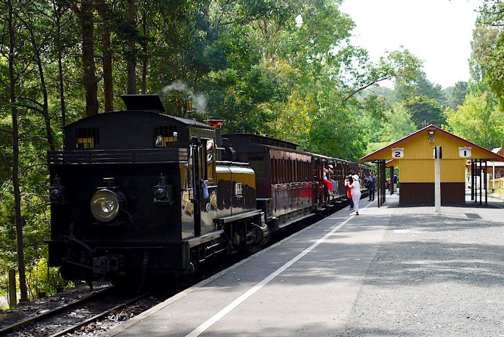 Puffing Billy Museumsbahn - Lakeside Railway Station - Emerald Lake Park - Victoria