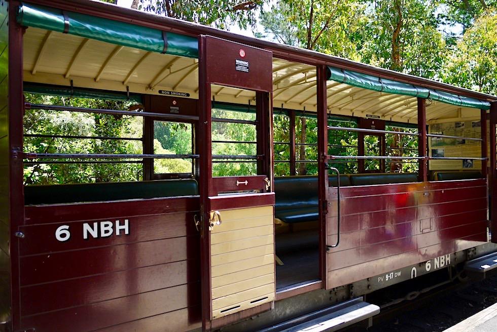 Puffing Billy Museumsbahn - Halb offene Personenwagen NBH - Belgrave nahe Melbourne - Victoria