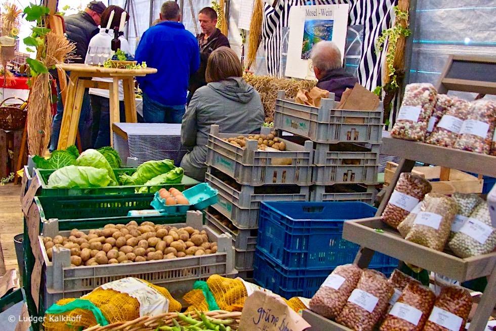 Warfendorf Rysum - Bauernmarkt alljährliches Highlight - Krummhörn - Ostfriesland