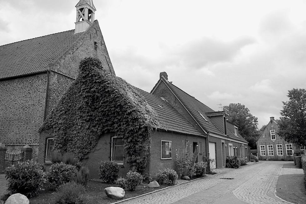 Herrlichkeit Rysum - Geschichte des Warfendorfes - Krummhörn & Ostfriesland