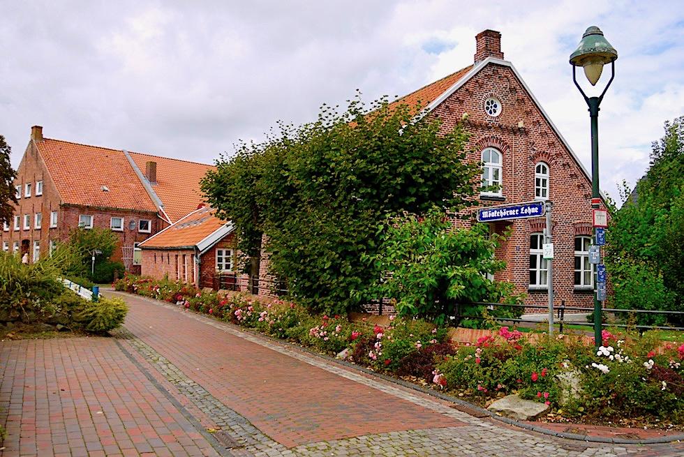 Rysum - Prachtvolle Gulfhöfe, enge Gassen & Lohnen, schöne Vorgärten - Krummhörn - Ostfriesland