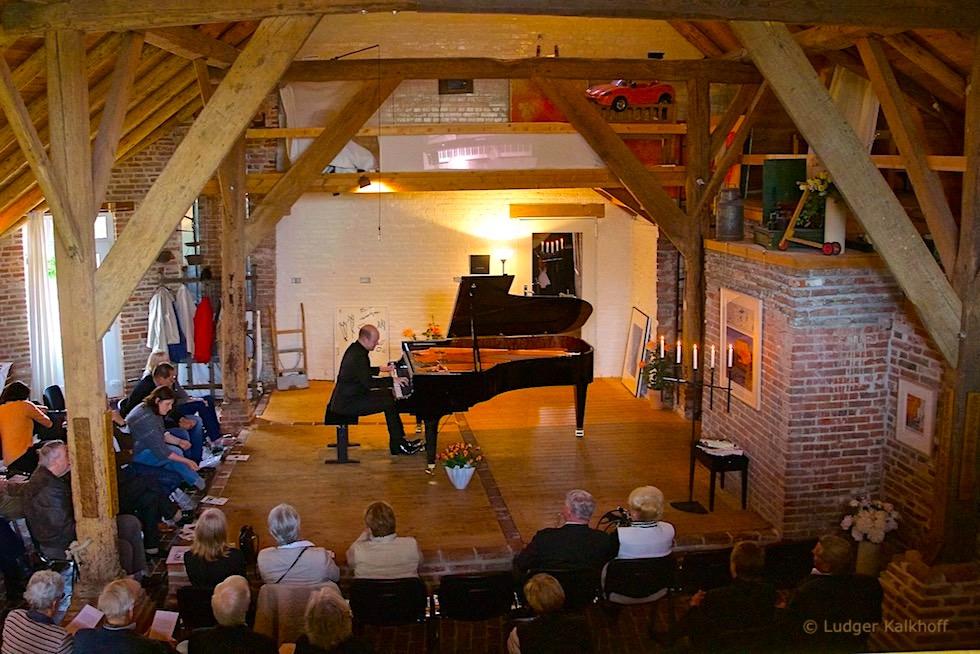 """Malerisches Rysum - """"Weltklassik am Klavier"""" im Fuhrmannshof - Krummhörn - Ostfriesland"""