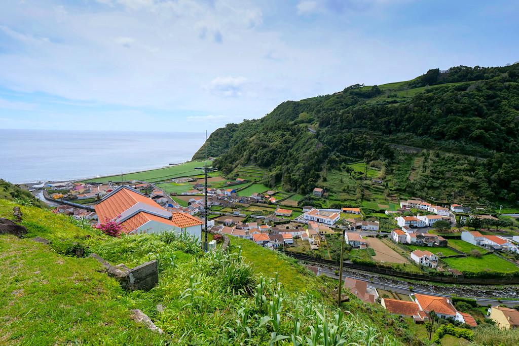 Faial da Terra - Ausblick von der Straße kommend - Südosten von Sao Miguel - Azoren