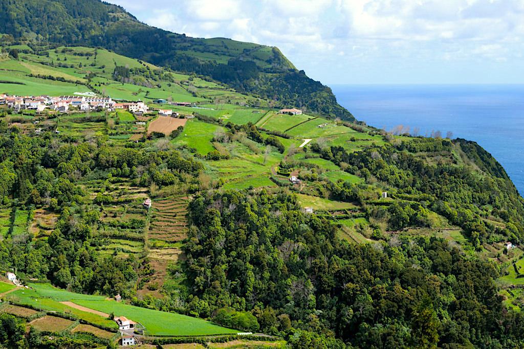Typisches Landschaftsbild für den Osten von Sao Miguel - Azoren
