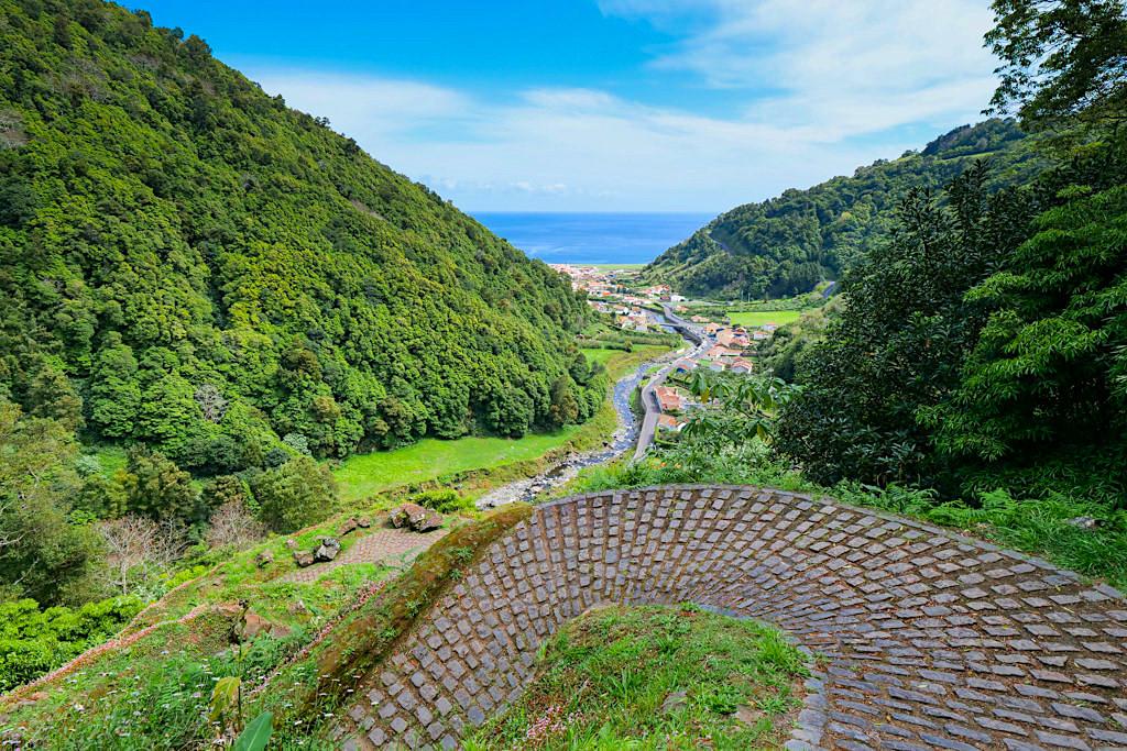Sanguinho Wanderung PRC 9 - Ausblick auf Ribeira do Faial daTerra & das Tal - Sao Miguel - Azoren