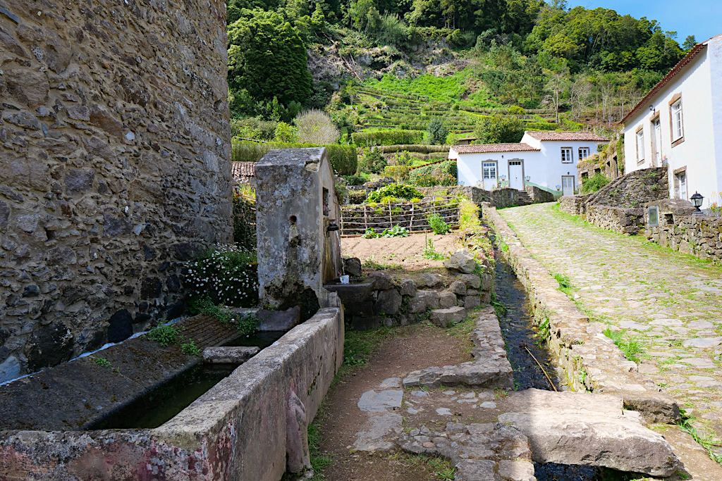 Sanguinho - Winzige Ferienhaus Siedlung bei Faial da Terra - Sao Miguel - Azoren