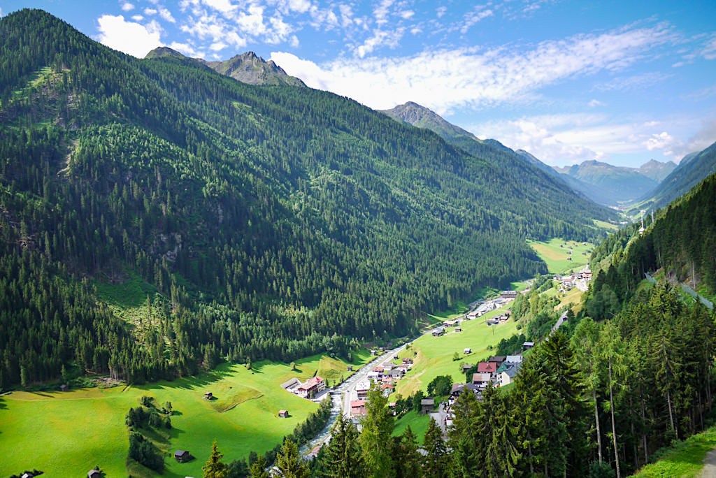 Faszinierender Ausblick ins Paznauntal - Diasbahn in Kappl - Österreich