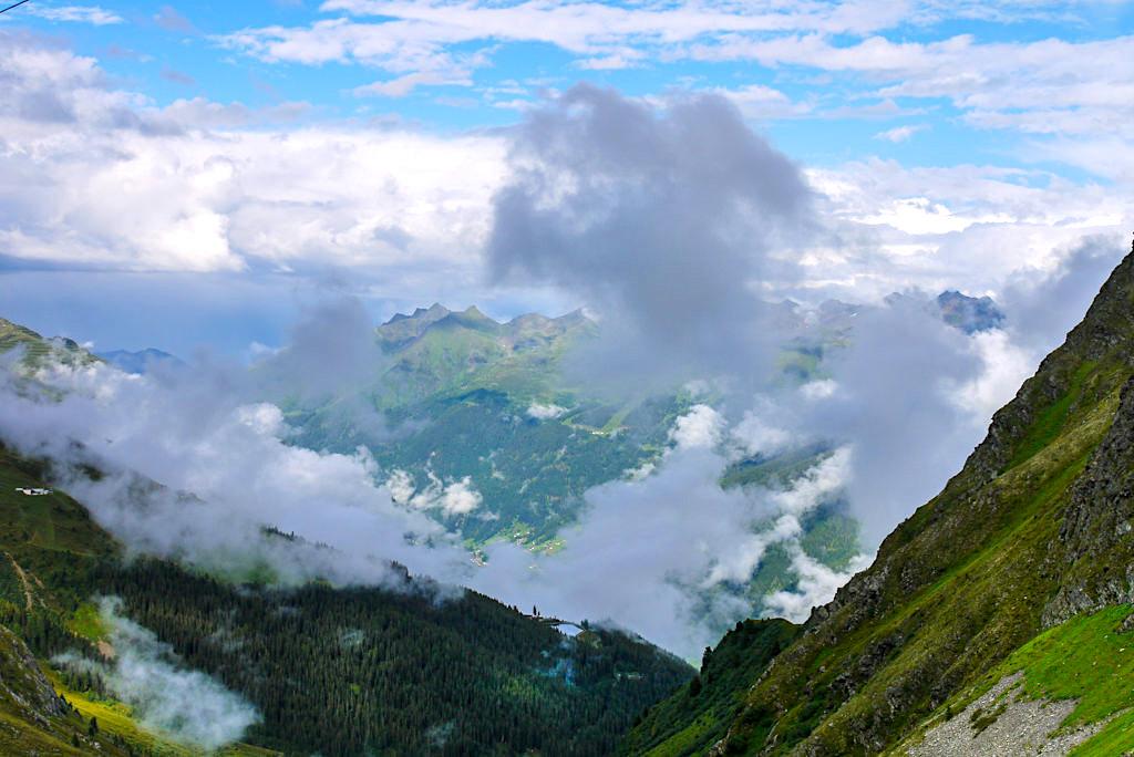 Niederelbehütte - Faszinierende Abend- & Wolkenstimmung über dem Paznauntal - Österreich