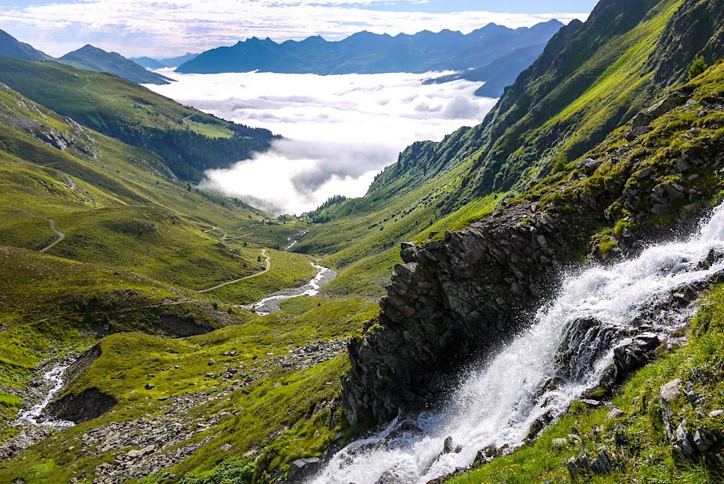 Niederelbehütte oberhalb der Nebeldecke - Seßladbach & Ausblick ins Tal - Verwall im Paznaun - Österreich