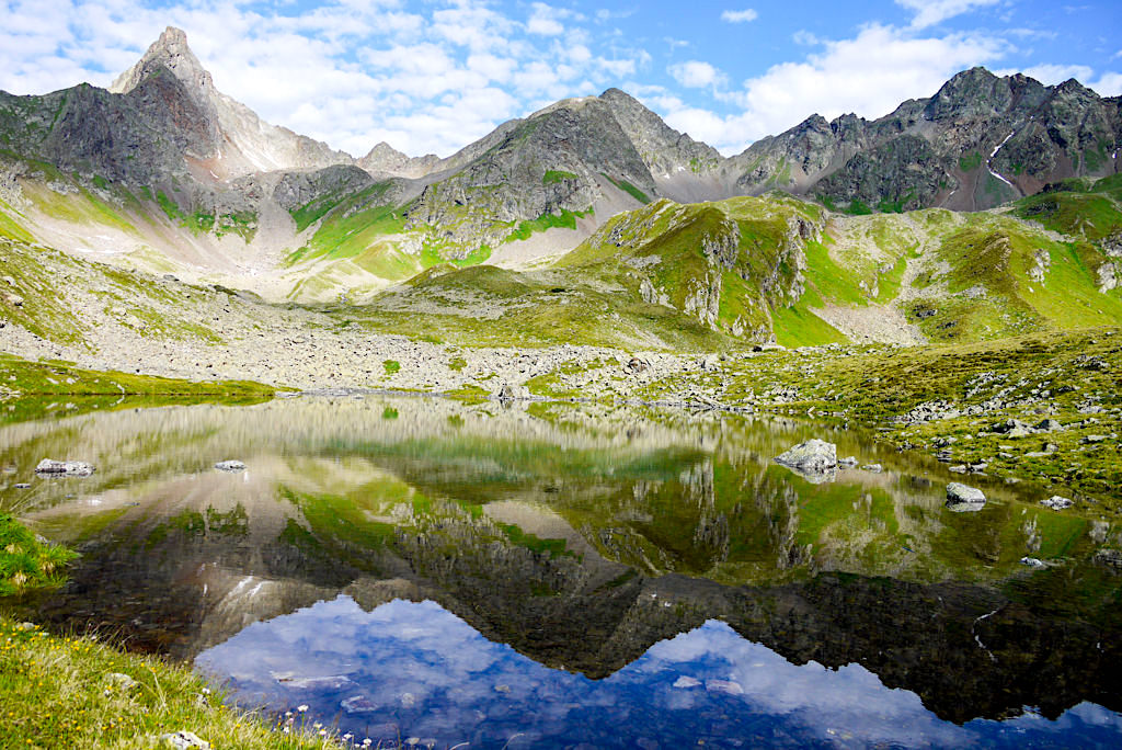 Niederelbehütte und direkt daneben der malerische Seßsee - Verwall-Gruppe im Paznaun - Österreich