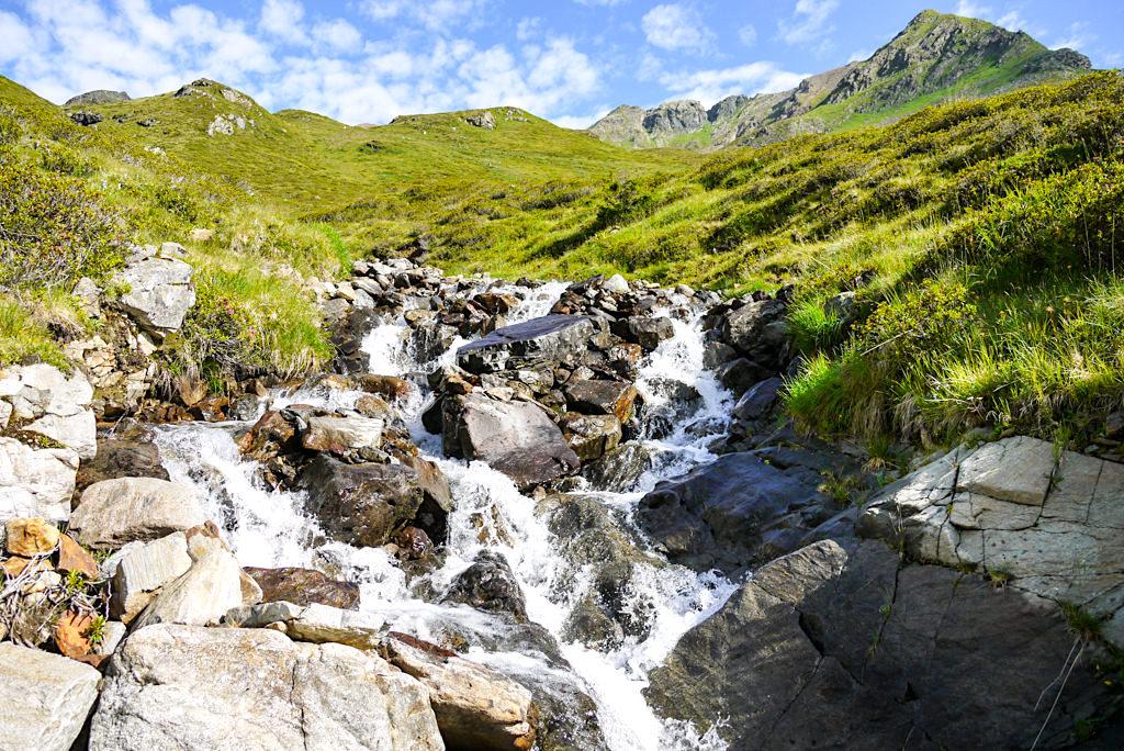 Niederelbehütte Wanderung - Bachlauf & Berge - Paznaun - Österreich