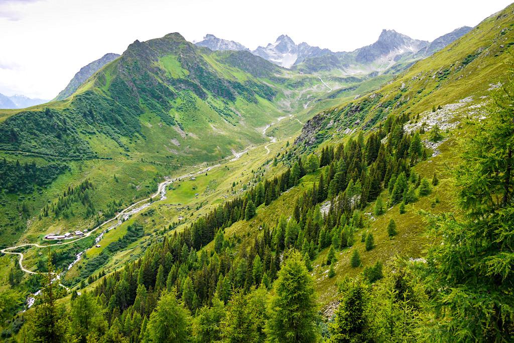 Blick auf Untere Seßladalpe - Wanderung Kieler Weg zur Niederelbehütte - Paznaun - Österreich