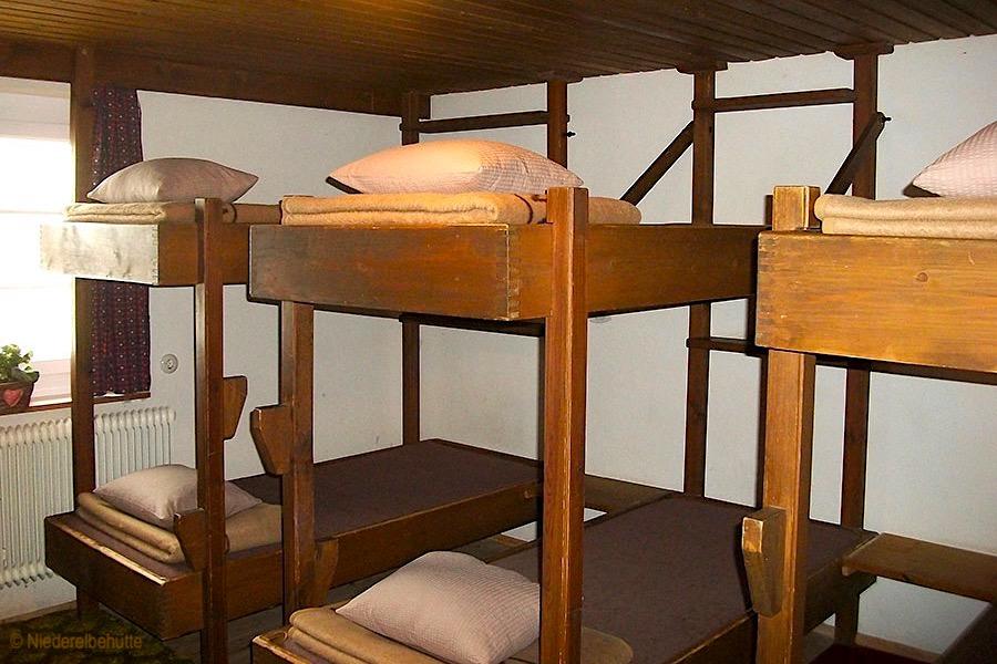Niederelbehütte - Mehrbettzimmer & Matratzenlager zum Übernachten - Wandern in der Verwall-Gruppe - Österreich