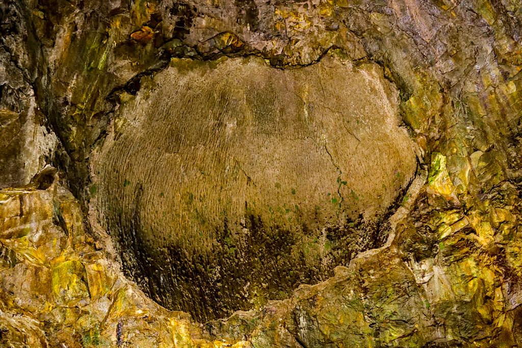 Algar do Carvao - Gasblasen-Explosionen in den Gewölben der Höhle - Terceira - Azoren