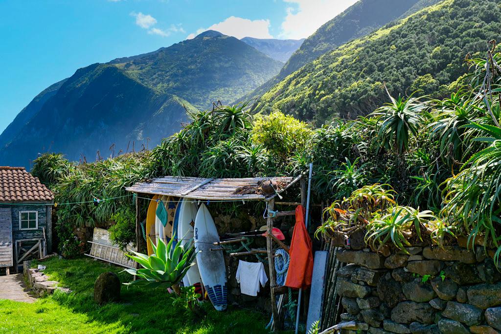 Faja da Caldeira de Santo Cristo - Beliebter Surfspot vor allem für Bodyboards - Sao Jorge - Azoren
