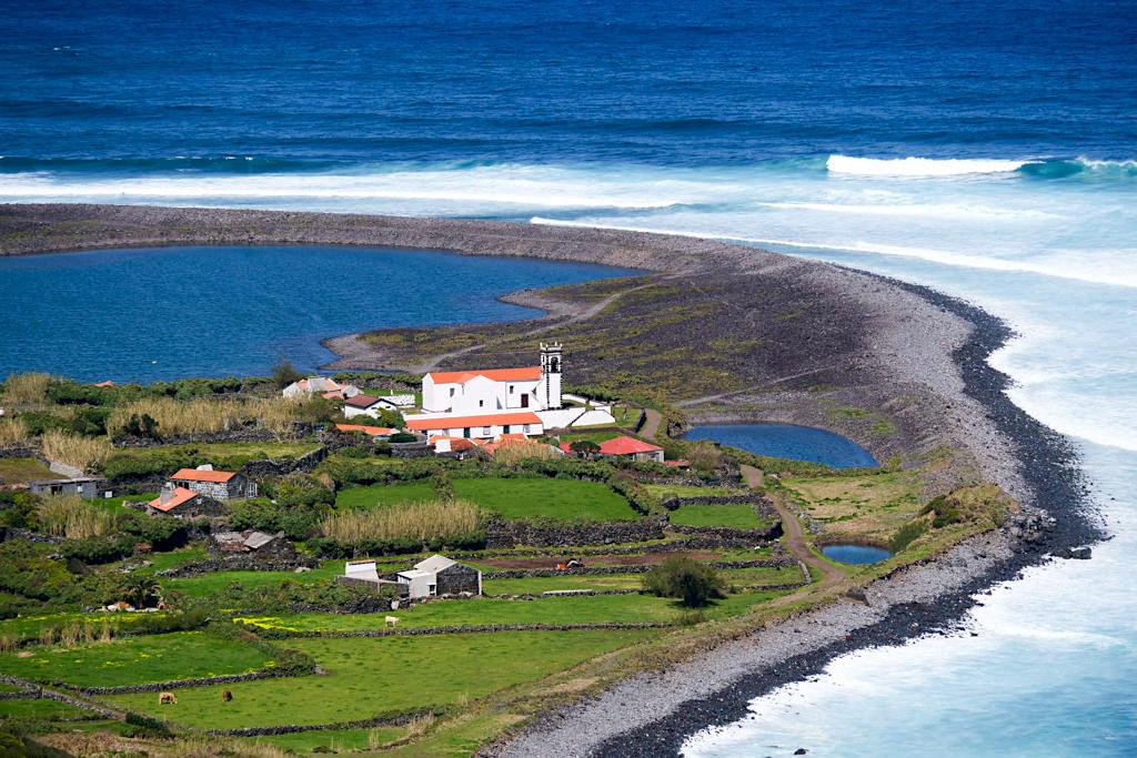Idyllisch und wunderschön: die Faja daCaldeira de Santo Cristo - Schönste Wanderung auf Sao Jorge & den Azoren