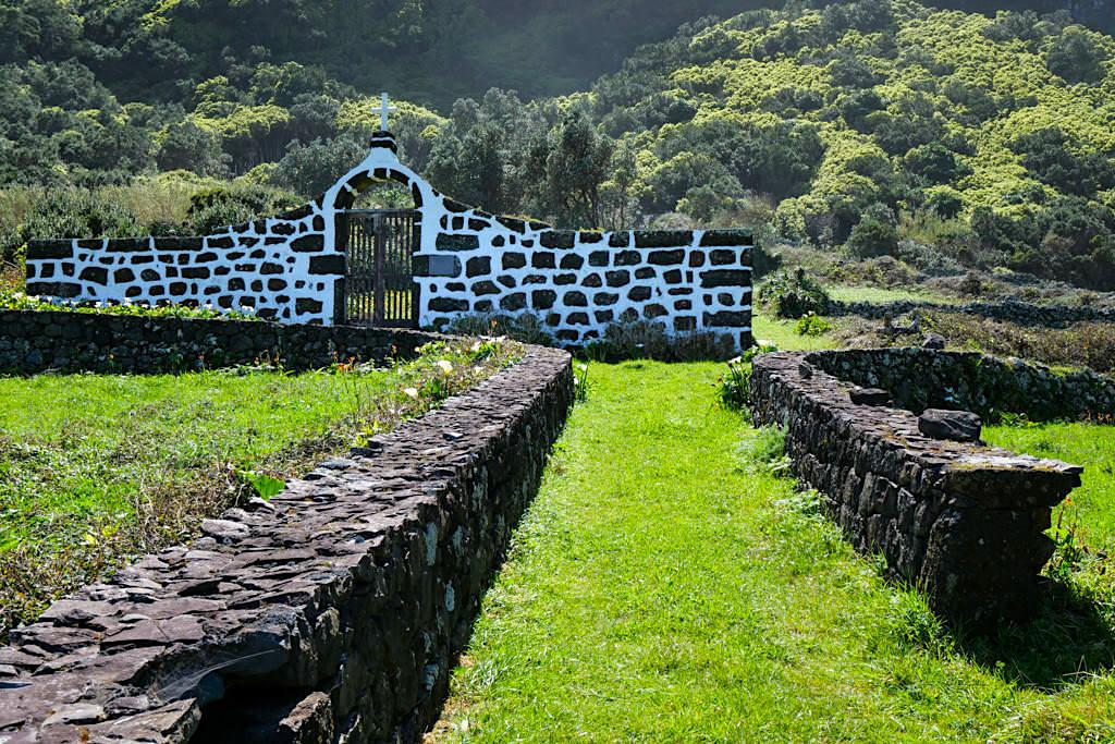 Zauberschön & idyllisch: Faja da Caldeira de Santa Cristo - Sao Jorge, Azoren