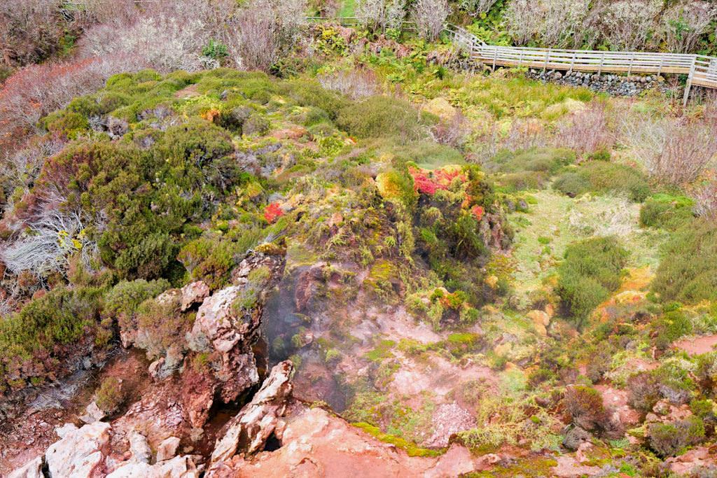 Furnas do Enxofre - Schwefeldampf-Quellen im Zentrum von Terceira - Azoren