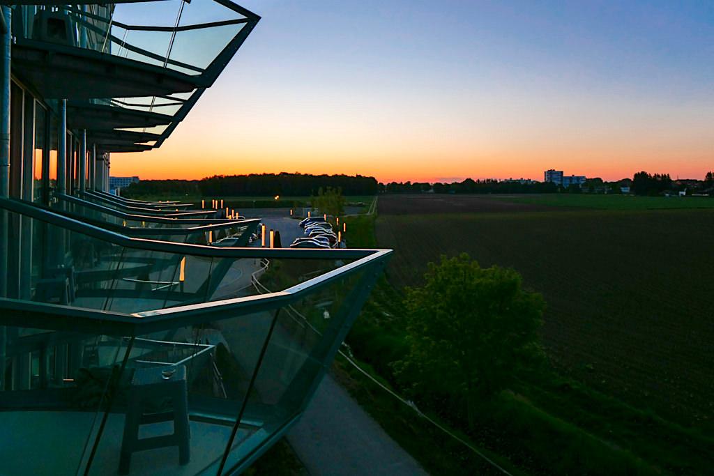 Hotel Victory in der Therme Erding - Herrlicher Sonnenaufgang vom Balkon der Yacht-Kabine aus gesehen - Bayern