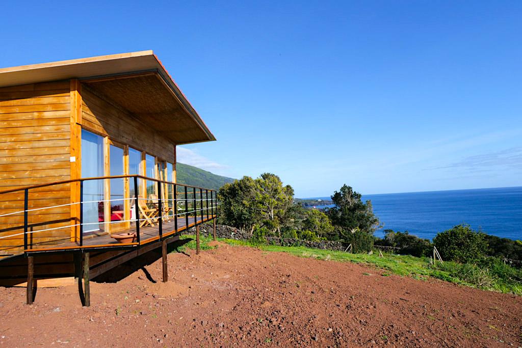 Intact Farm Bungalow - meine Übernachtungsempfehlung für Sao Jorge: Berge im Rücken, das Meer von vorne! - Azoren