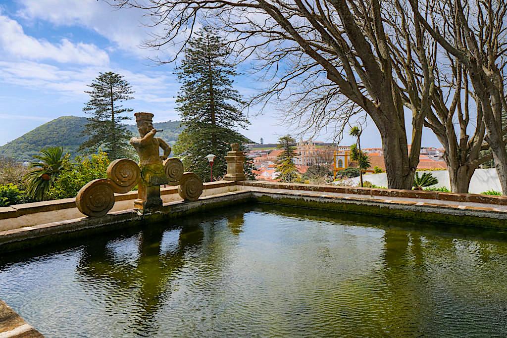 Jardim Publico oder Jardim Duque do Donatario - Der herrlich grüne Stadtpark von Angra do Heroismo - Terceira - Azoren