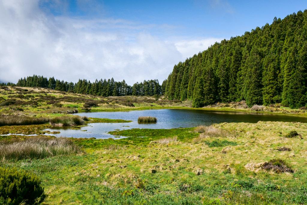 Lagoa Negro bei der Lavahöhle Gruta do Natal - Terceira