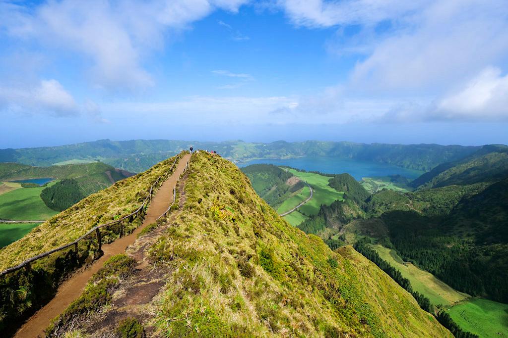 Sete Cidades - Weg zum schönsten Aussichtspunkt mit blick auf Blauen & Grünen See - Sao Miguel - Azoren