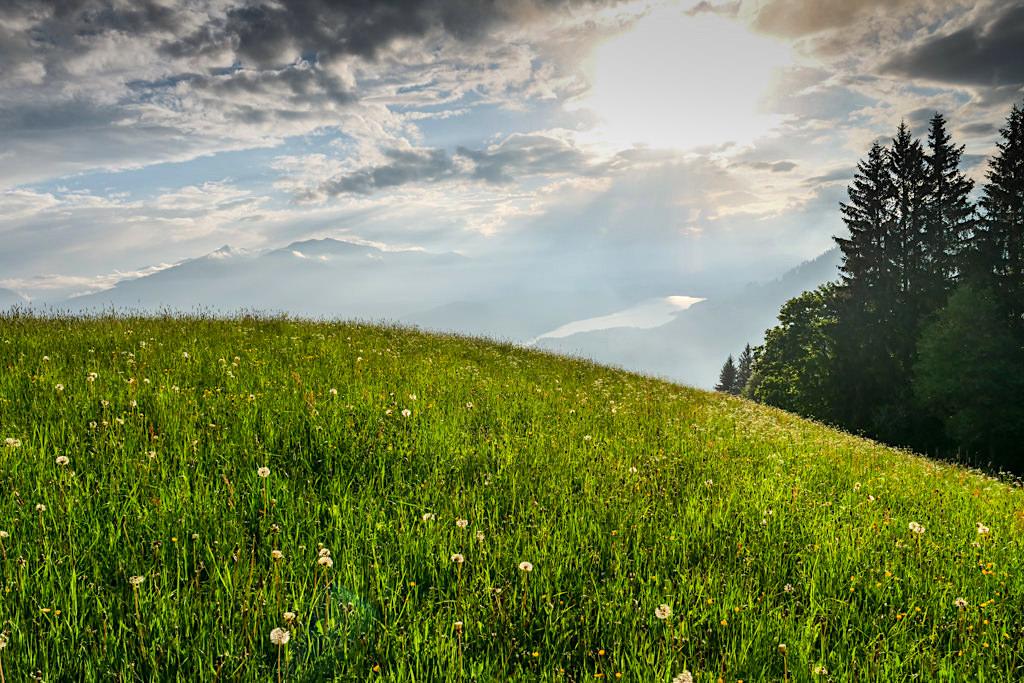 Slow Trail Mirnock - Almwiese & Wolkenstimmung - Millstätter See Wanderung - Kärnten in Österreich