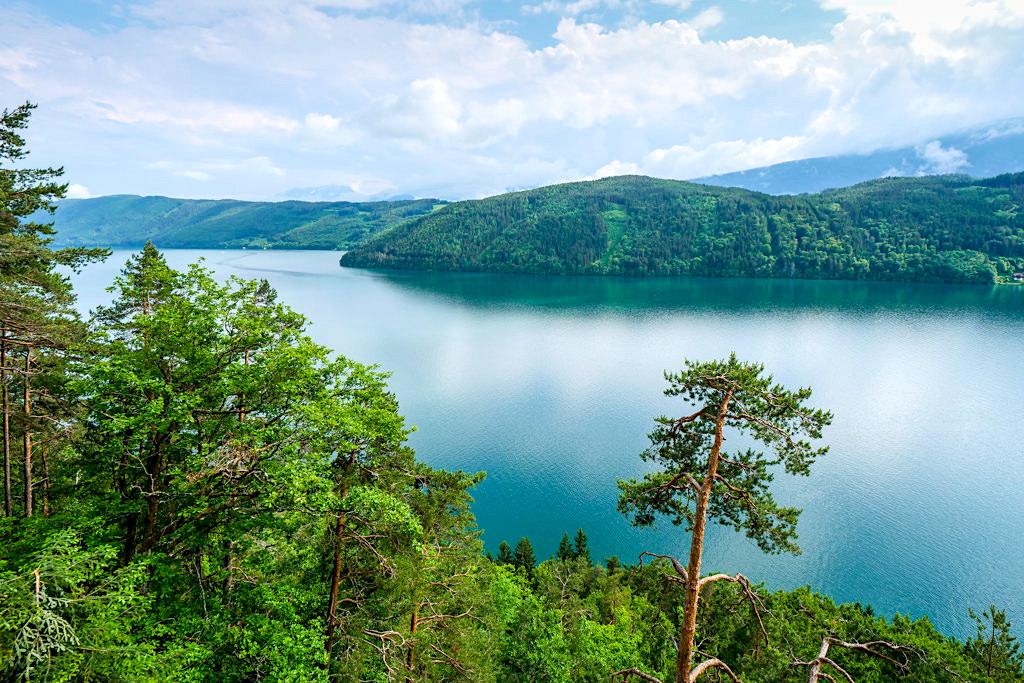 Slow Trail Zwergsee mit schönstem Blick auf den Millstätter See von der Waldbühne - Kärnten - Österreich