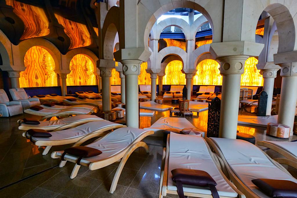 Therme Erding - Saunen & VitalTherme: Alhambra maurischer Ruheraum mit grandioser Atmosphäre - Bayern