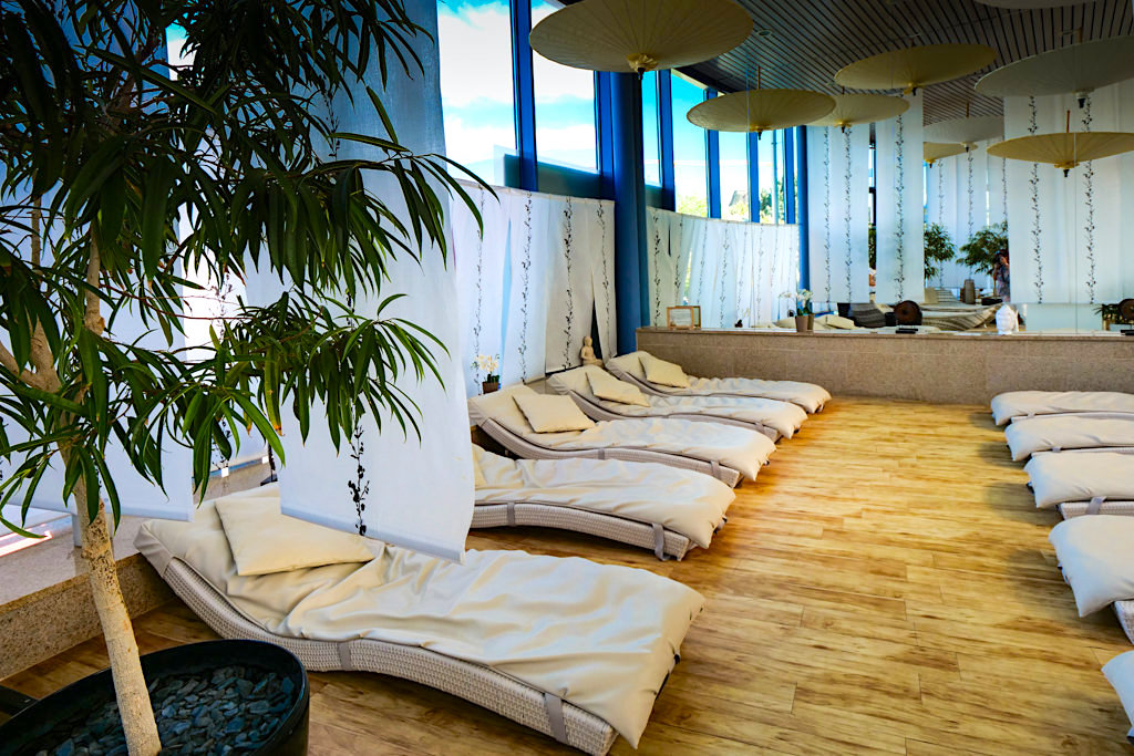 Therme Erding - VitalOase: Lotus Lounge entspannen in asiatisch gestalteten Ruheräumen - Bayern