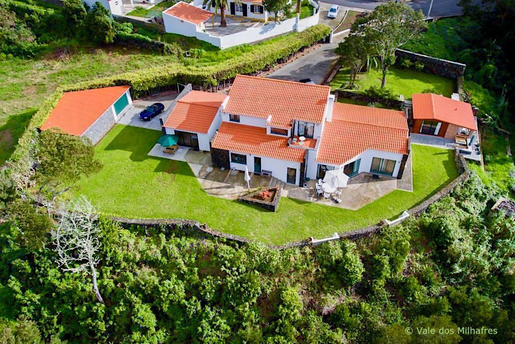 Vale dos Milhafres idyllisch bei Angra do Heroismo gelegen - Übernachtungsempfehlung Terceira - Azoren