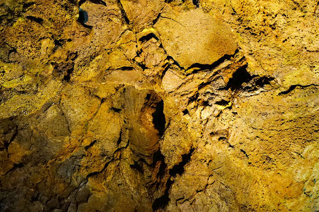 Weihnachtshöhle oder Gruta do Natal - Imposante Deckenstrukturen ohne Stalaktiten - Terceira - Azoren