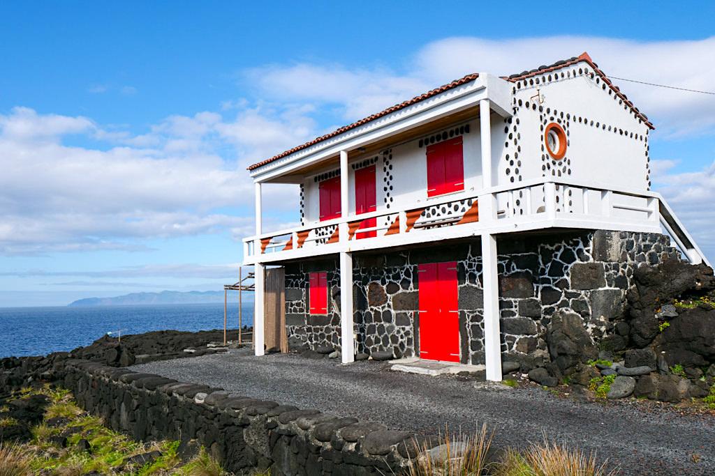 Einstige Adegas wurden zu Ferienhäusern umgebaut auf Pico - Zona das Adegas - Azoren