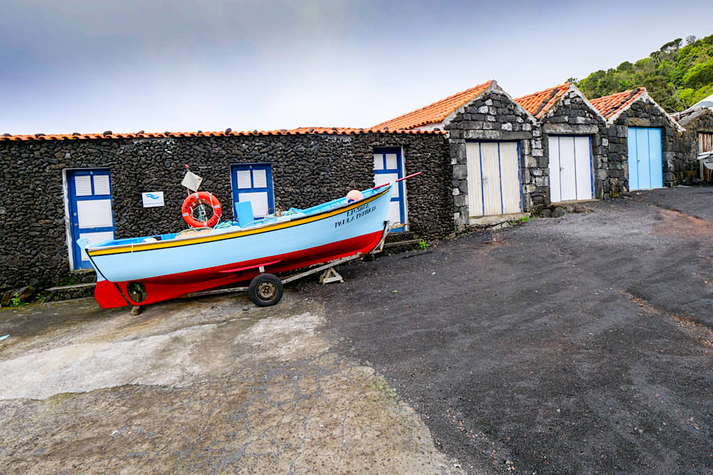 Casa dos Botes: Bootshäuser, die zuvor für Walfangboote genutzt wurden - Portada Prainha do Galeao - Pico - Azoren